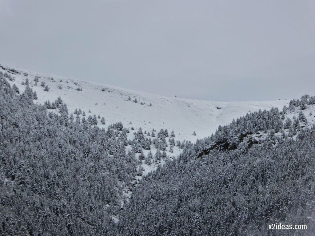P1040325 1024x768 - Noviembre empieza con nieve en Cerler y el Valle de Benasque.