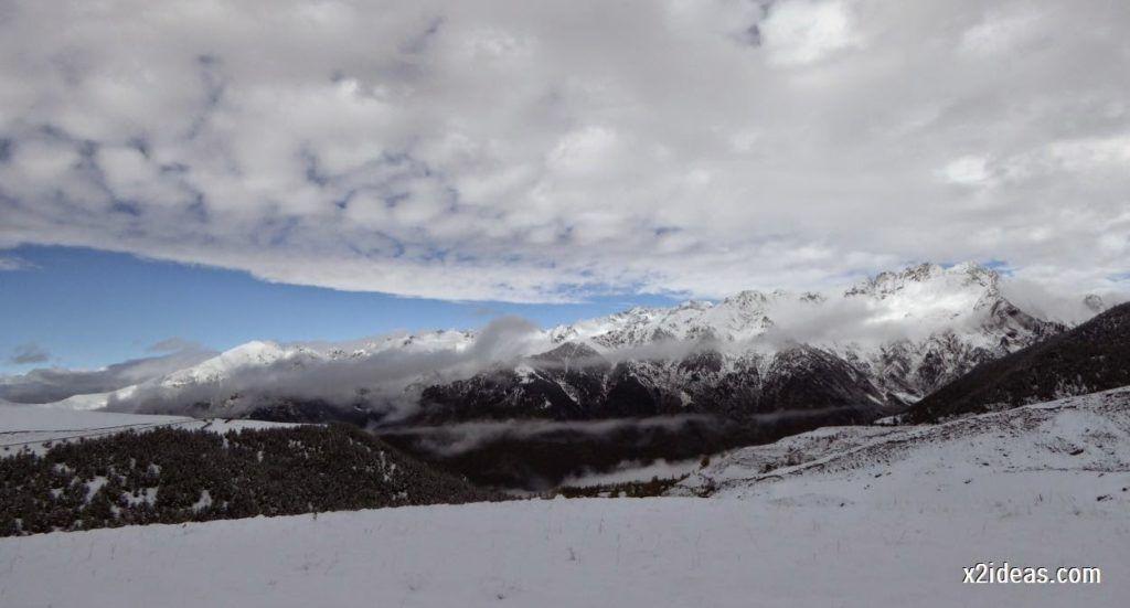 P1040329 1024x551 - Noviembre empieza con nieve en Cerler y el Valle de Benasque.