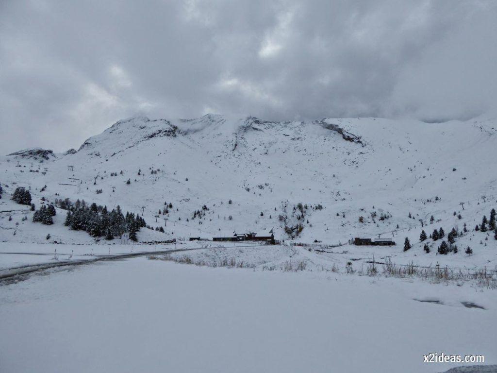 P1040331 1024x768 - Noviembre empieza con nieve en Cerler y el Valle de Benasque.