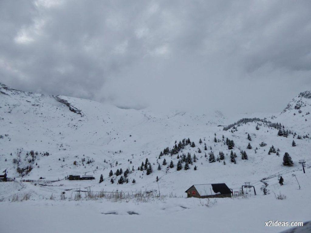 P1040332 1024x768 - Noviembre empieza con nieve en Cerler y el Valle de Benasque.