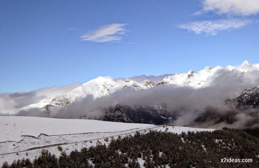 P1040337 1024x663 - Noviembre empieza con nieve en Cerler y el Valle de Benasque.