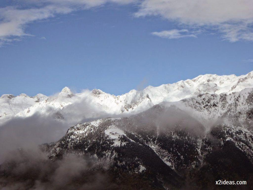 P1040342 1024x768 - Noviembre empieza con nieve en Cerler y el Valle de Benasque.