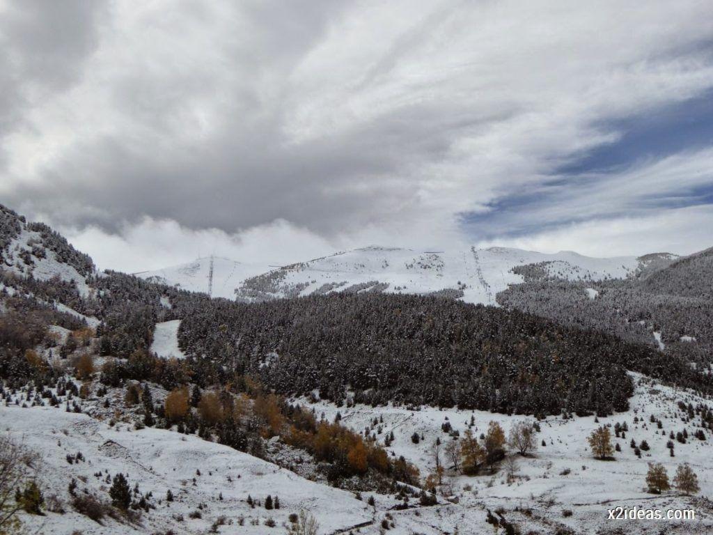 P1040350 1024x768 - Noviembre empieza con nieve en Cerler y el Valle de Benasque.