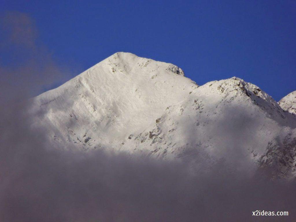 P1040368 1024x768 - Noviembre empieza con nieve en Cerler y el Valle de Benasque.