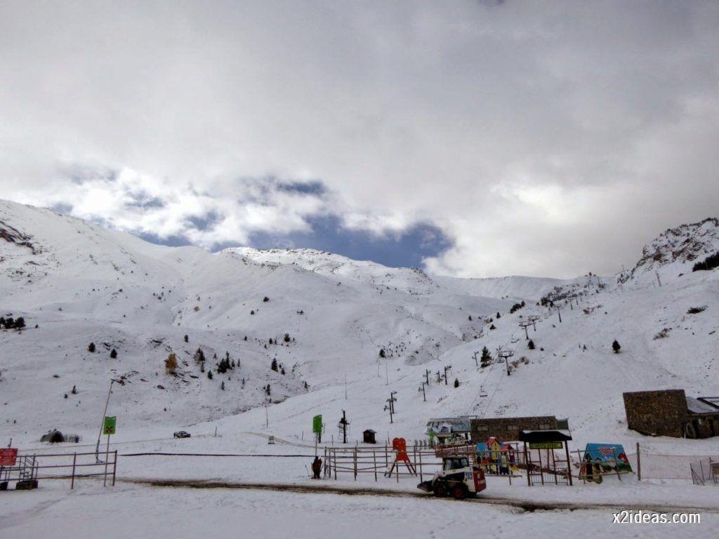 P1040415 1024x768 - Primera cata de nieve, Gallinero pero en raquetas.