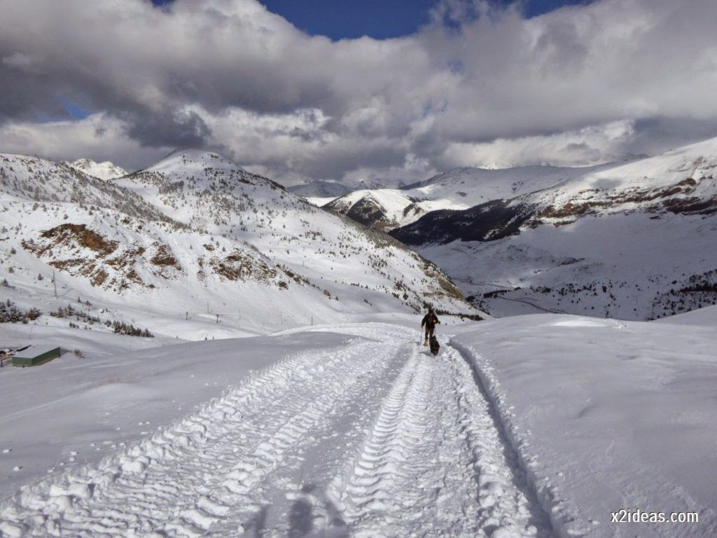 P1040430 1024x768 - Primera cata de nieve, Gallinero pero en raquetas.