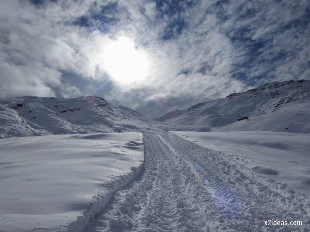 P1040431 1024x768 - Primera cata de nieve, Gallinero pero en raquetas.