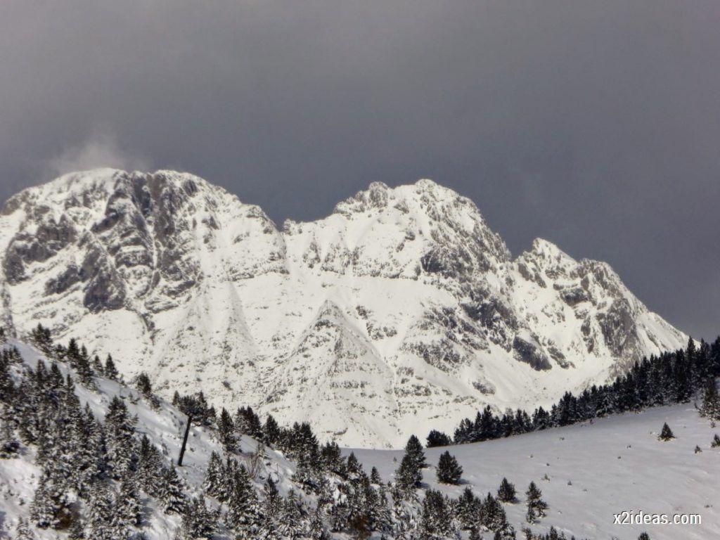 P1040434 1024x768 - Primera cata de nieve, Gallinero pero en raquetas.