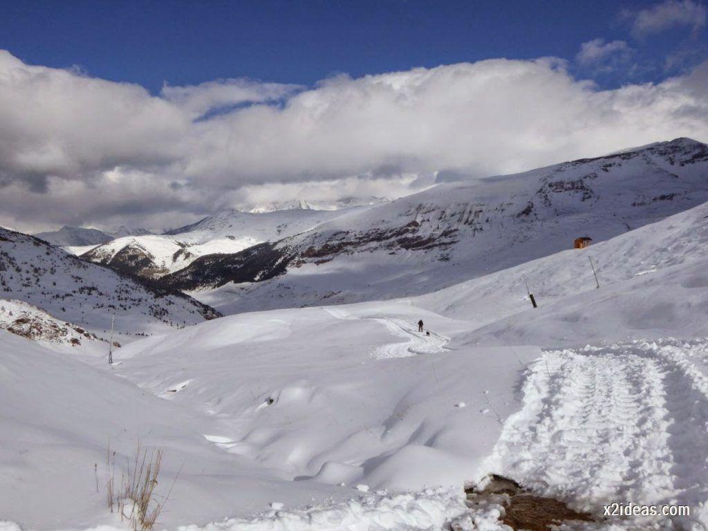 P1040440 1024x768 - Primera cata de nieve, Gallinero pero en raquetas.