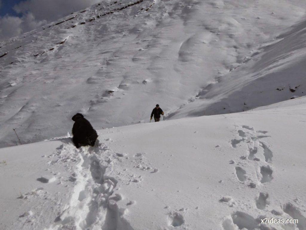 P1040448 1024x768 - Primera cata de nieve, Gallinero pero en raquetas.