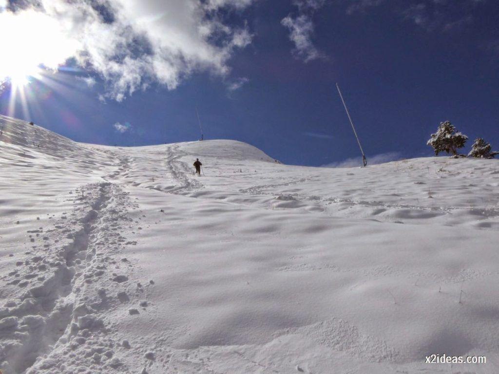 P1040465 1024x768 - Primera cata de nieve, Gallinero pero en raquetas.