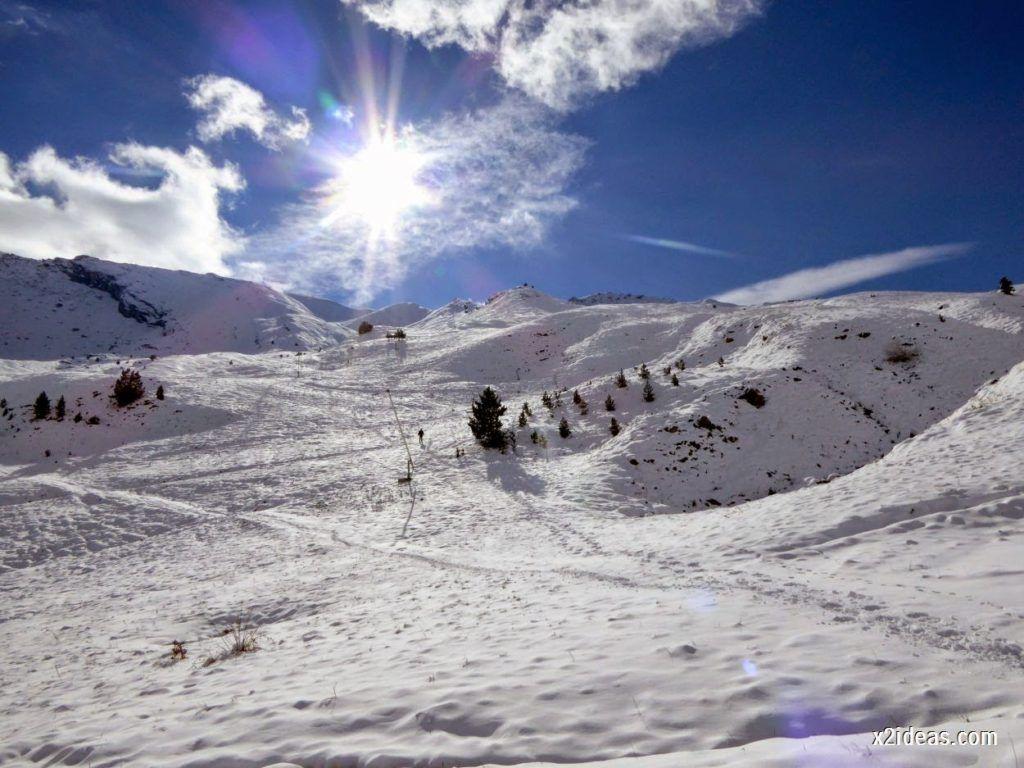 P1040470 1024x768 - Primera cata de nieve, Gallinero pero en raquetas.