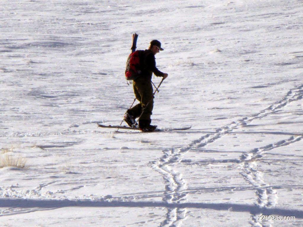 P1050002 1024x768 - Sexta esquiada, Cerler mantiene nieve polvo en cotas altas.