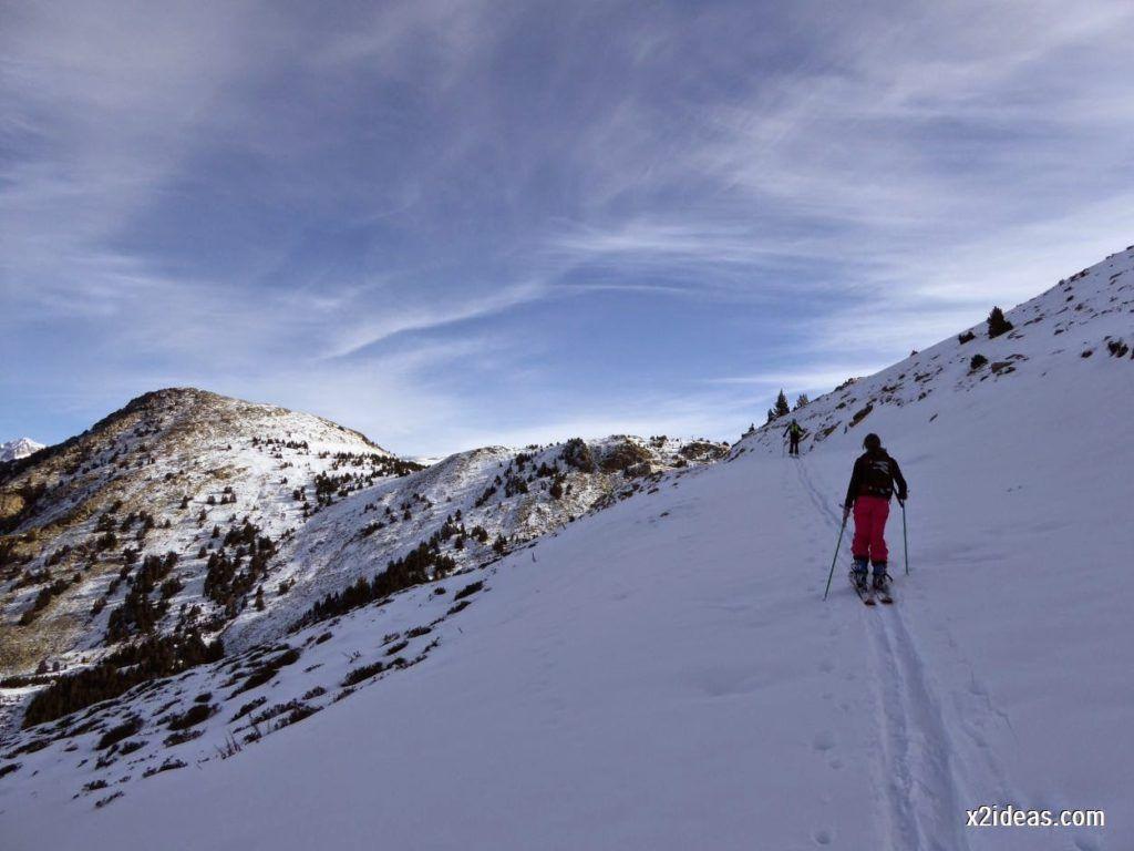 P1050009 1024x768 - Sexta esquiada, Cerler mantiene nieve polvo en cotas altas.