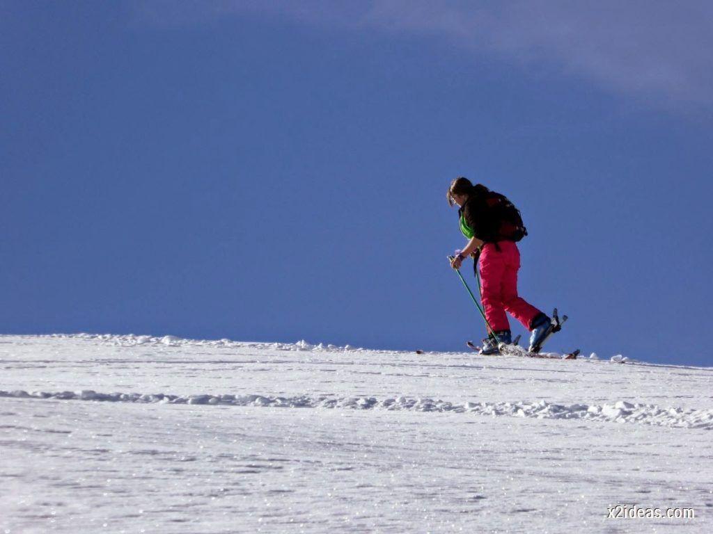 P1050024 1024x768 - Sexta esquiada, Cerler mantiene nieve polvo en cotas altas.