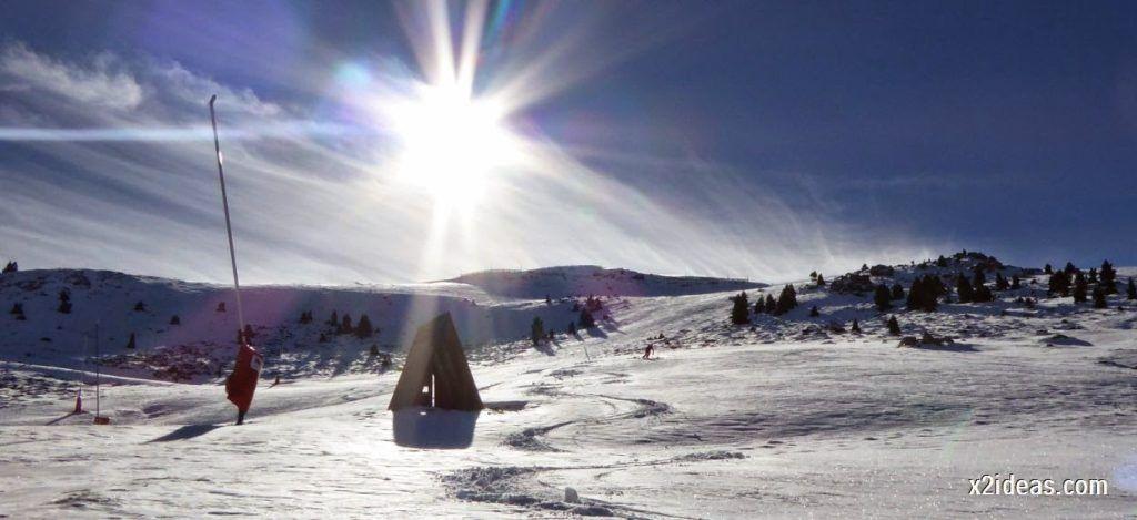 P1050140 1024x469 - Sexta esquiada, Cerler mantiene nieve polvo en cotas altas.