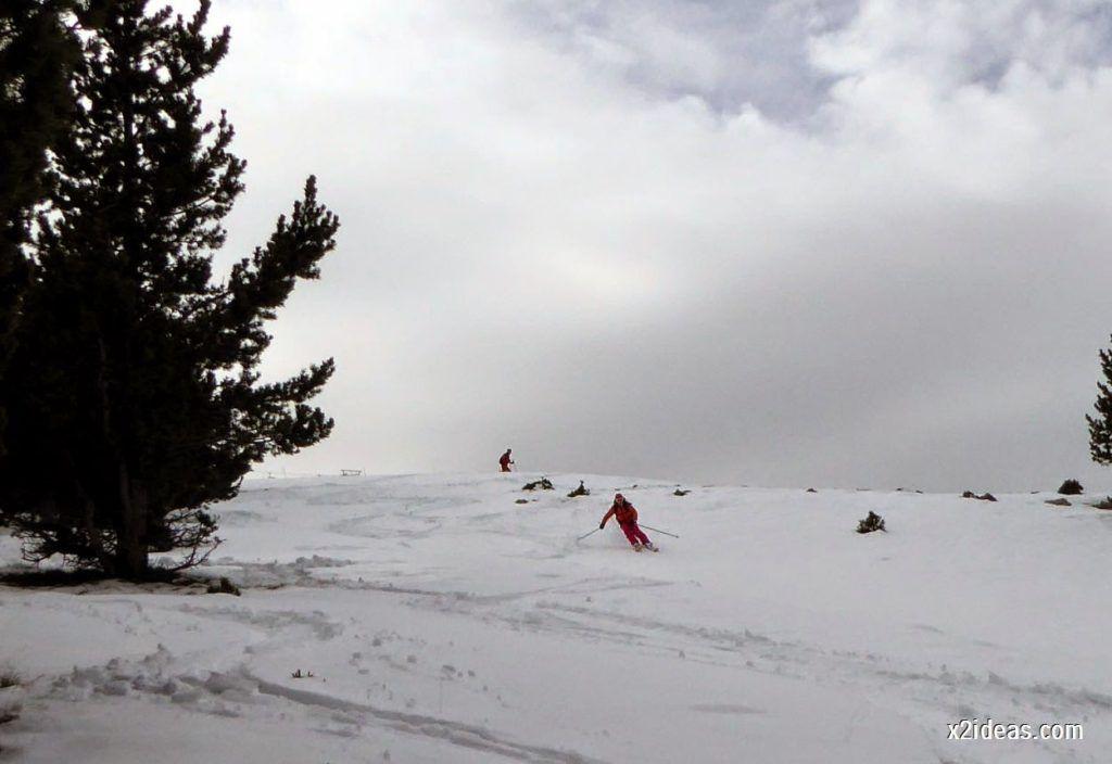P1050332 1024x704 - Séptima, bajamos por las pistas de Cerler, Valle de Benasque.