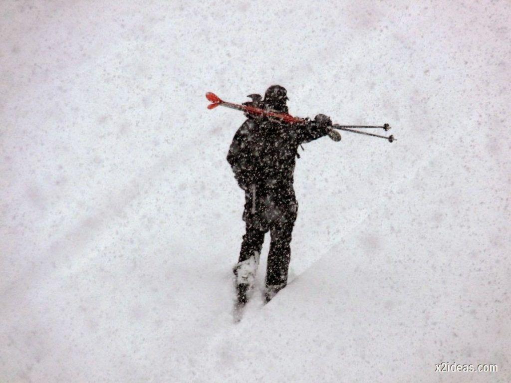 P1050741 1024x768 - Noviembre empieza con nieve en Cerler y el Valle de Benasque.