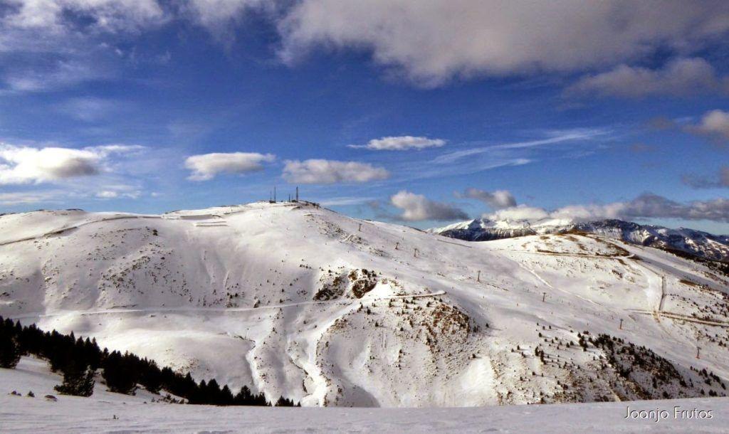 P1050867 1024x610 - Esquiando como en primavera en Cerler.