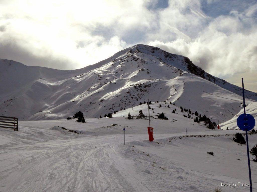 P1050869 1024x768 - Esquiando como en primavera en Cerler.