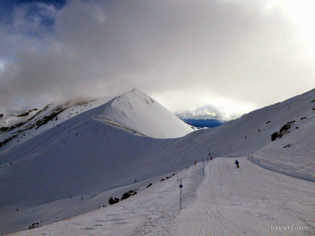 P1050875 1024x768 - Esquiando como en primavera en Cerler.
