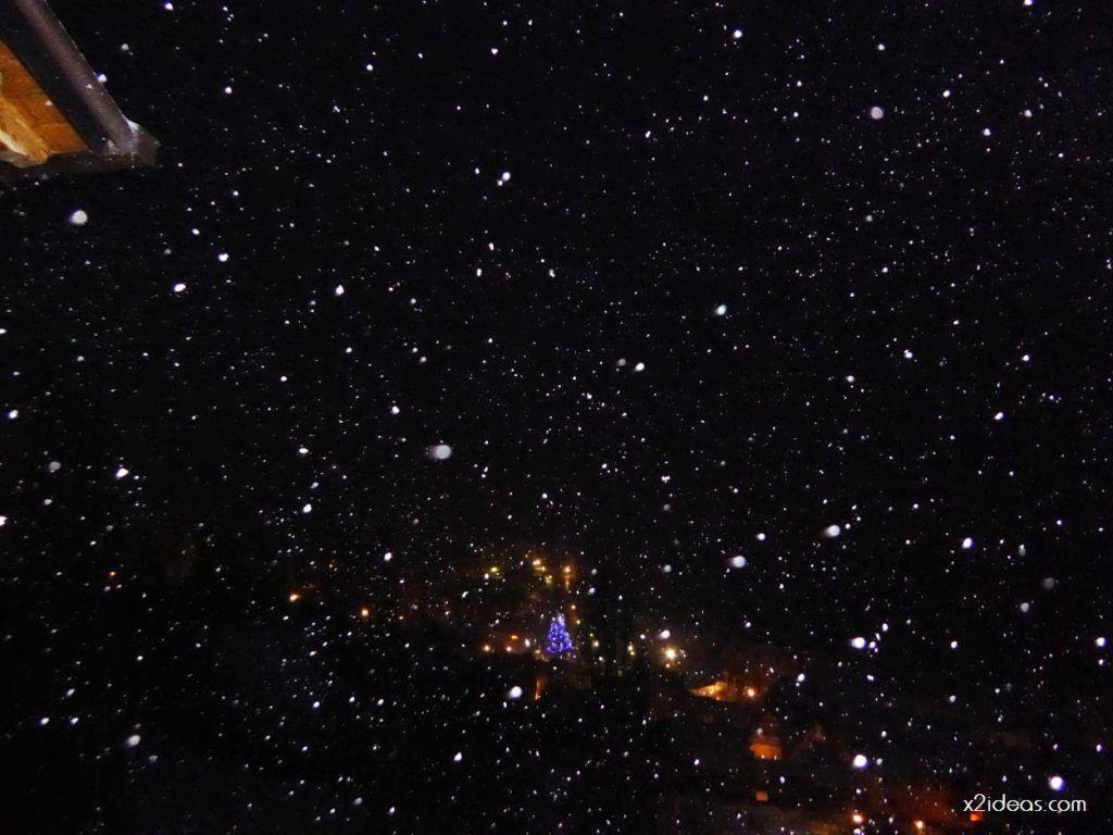 P1060265 1024x768 - Tanto asustar y de momento ligera nevada en Cerler.