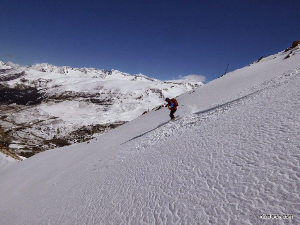 P1100332 1024x768 - Pico Gallinero con nieve polvo, Cerler