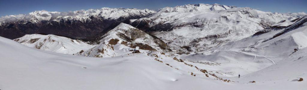 Panorama1 1024x303 - Pico Gallinero con nieve polvo, Cerler