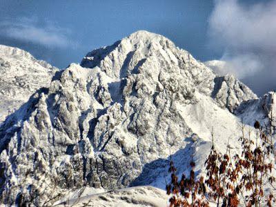 P1170608 fhdr - Segunda nevada de Noviembre en las cimas de Benasque.