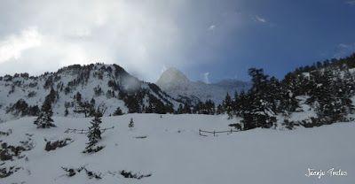 P1180508 - Salida de amigos por La Renclusa. Buena nieve.