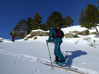 P1180537 - Salida de amigos por La Renclusa. Buena nieve.
