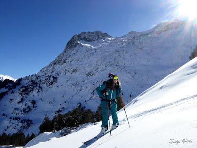 P1180563 - Salida de amigos por La Renclusa. Buena nieve.