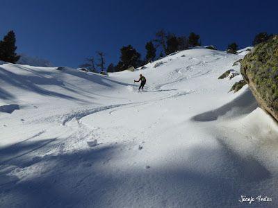 P1180576 - Salida de amigos por La Renclusa. Buena nieve.
