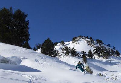 P1180601 - Salida de amigos por La Renclusa. Buena nieve.