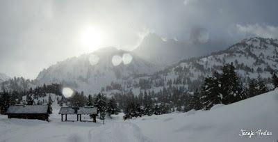 Panorama2 - Salida de amigos por La Renclusa. Buena nieve.
