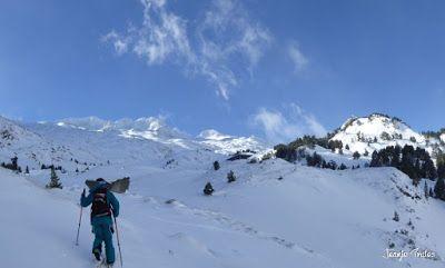 Panorama3 - Salida de amigos por La Renclusa. Buena nieve.