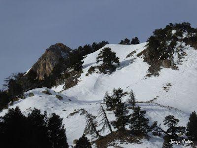 P1180857 - La Renclusa on the Rocks. Valle de Benasque.