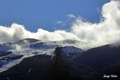 P1190047 - 2016 Comienza a nevar en Cerler.