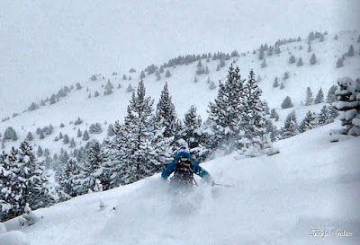 P1200926 009 fhdr - Nieve de verdad en Cerler, Valle de Benasque.
