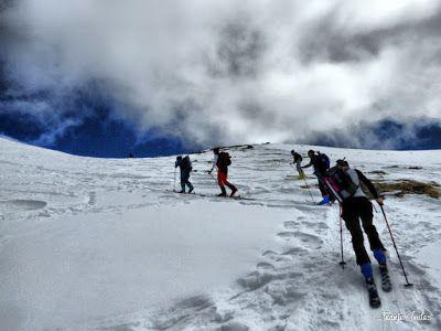 P1210885 fhdr - Pico Castanesa (2.858 m.) con Maspirineo.