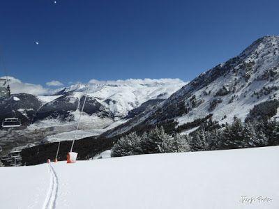 P1220622 - Lunes nevado, pistas cerradas ... vamos! Cerler.