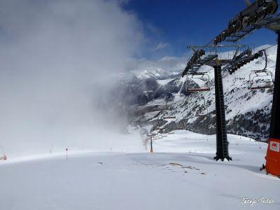 P1220628 - Lunes nevado, pistas cerradas ... vamos! Cerler.