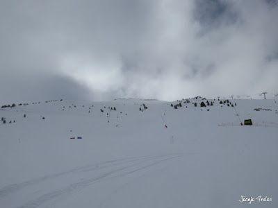 P1220636 - Lunes nevado, pistas cerradas ... vamos! Cerler.