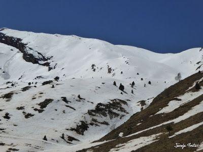 P1240941 - Primera esquiada de Mayo en Cerler.