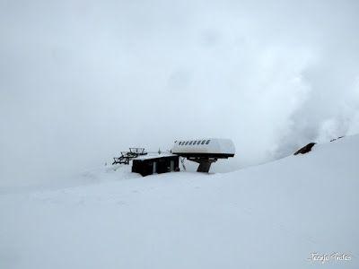 P1250279 - Otro Gallinero con nieve nueva, Cerler.