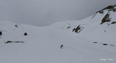 P1250299 - Otro Gallinero con nieve nueva, Cerler.
