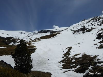 P1250511 - Tuca Roques Trencades, 2.755 m.,  en Cerler (Valle de Benasque)