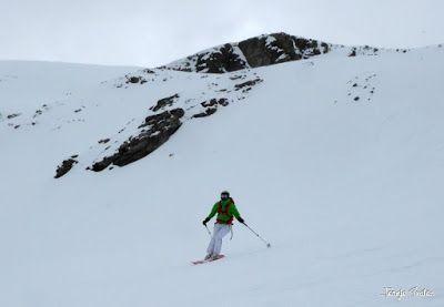 P1250609 - Repetimos y nevando en Roques Trencades, Cerler.