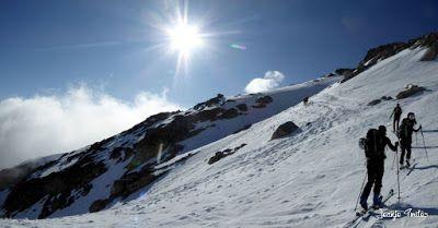 Panorama1 - 30/5 Aneto y nevando.