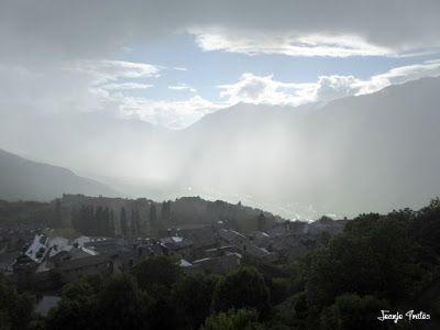 P1260822 - Tormenta y nieve ... junio en el Valle de Benasque.